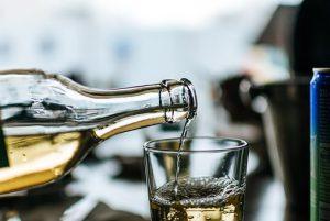 bouteille et alcool